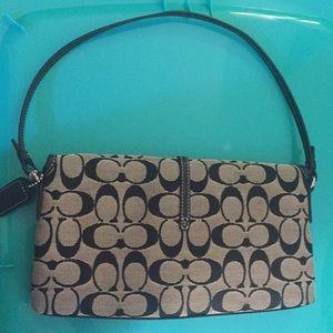 Coach Bags - Coach Signature purse